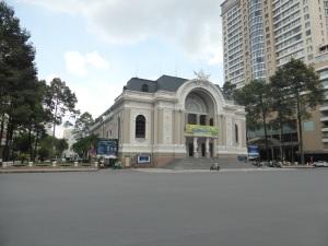 894. Saigón