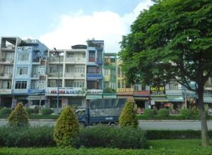 945. Saigón
