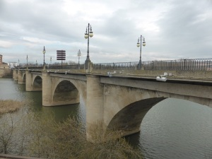 043. Logroño. Puente de Piedra