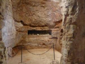 140. San Millán de la Cogolla. Monasterio de Suso. Cueva