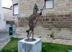 164b. Santo Domingo de la Calzada. Estatua del Peregrino