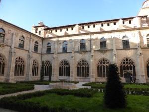 341. Oña. Monasterio de San Salvador. Claustro