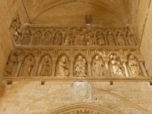 132. Villalcázar de Sirga. Santa María la Blanca. Portada