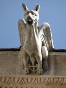 316. Valladolid. San Gregorio. Museo Nac. Escultura. Patio de los Estudios. Gárgola