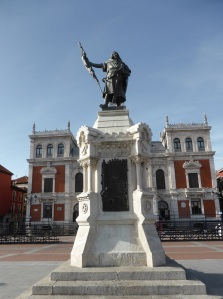 338. Valladolid. Plaza Mayor. Estatua de Pedro Ansúrez