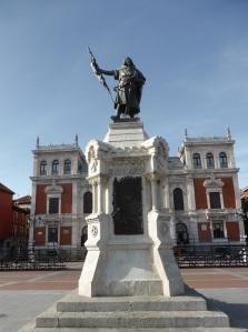 338. Valladolid. Plaza Mayor. Estatua de Pedro Ansúrez
