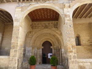 342. Carrión de los Condes. Santa María del Camino. Portada sur
