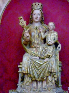 354. Carrión de los Condes. Santa María del Camino. Virgen de las Victorias. De piedra, del XIII