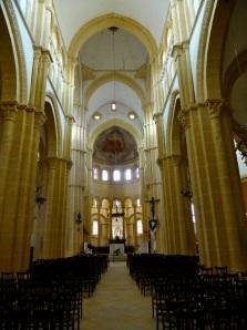 006. Paray-le-Monial. Iglesia abacial. Interior
