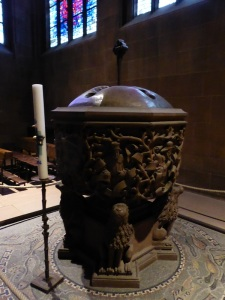 126. Worms. Catedral. Pila bautismal de 1480