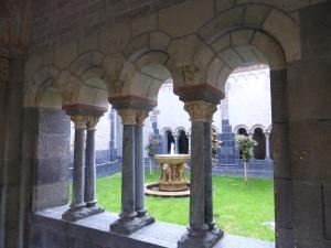 238. Monasterio de María Laach