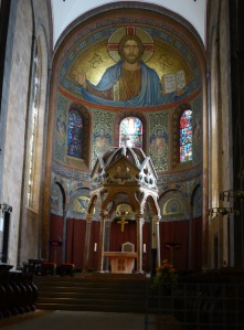 246. Monasterío de María Laach. Ábside este nave central