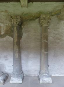 316. Grosscomburg. Columnas románicas en el claustro
