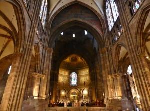 475. Estrasburgo. Catedral. Nave central