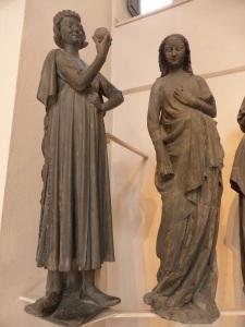 555. Museo de la Obra de las catedral.El tentador de las vírgenes necias. Fines del XIII