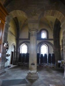 Columna y capitel interior