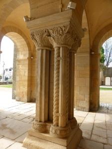 Columnas nártex 1