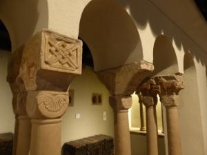 Columnas y capiteles procedentes de San Trophime de Eschau 2