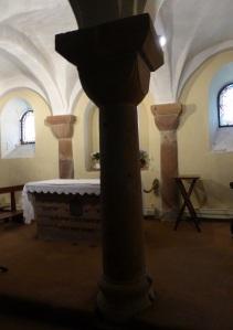 Cripta. Columna y capitel