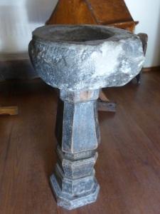 165. Canillo. Sant Serni. Pila benditera, siglos XI-XII