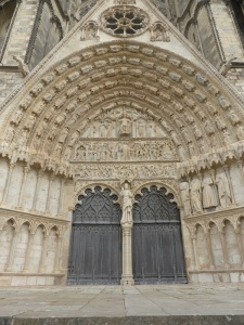 011. Bourges. Catedral. Portada central 1