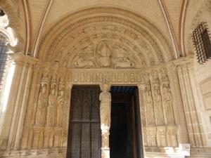 025. Bourges. Catedral. Portada fachada sur