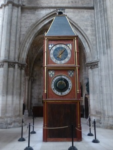 041. Bourges. Catedral. Reloj astronómico