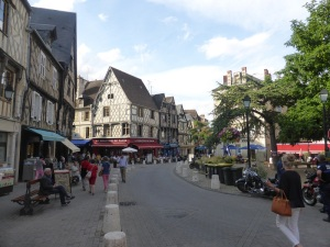 046. Bourges