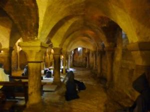 110. Vezelay. Cripta