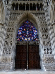 145. Reims. Catedral. Portada central. Interior