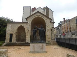 175. Reims. Escultura bautismal de Clodoveo