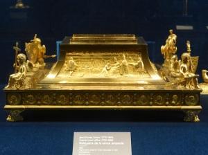 209. Reims. Palacio del Tau. Relicario de la Santa Ampolla (XVIII)