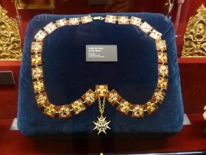 218. Reims. Palacio del Tau. Collar de la Orden del Santo Espíritu