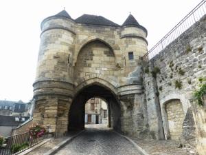 432. Laon. Puerta de Ardon