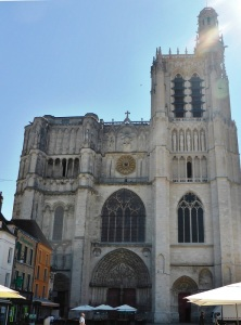 503. Sens. Catedral