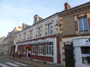 568. St-Benoît-sur-Loire. Hotel