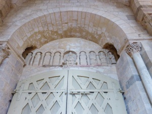 583. St-Benoît-sur-Loire. Interior portada norte