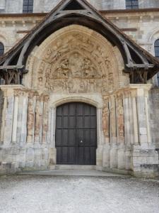 588. St-Benoît-sur-Loire.Portal norte 3