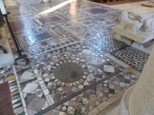 606. St-Benoît-sur-Loire. Mosaico coro