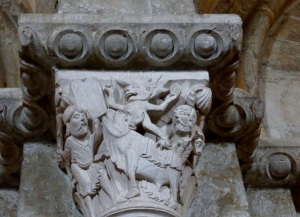 P1150360. Interior. Moisés y el becerro de oro