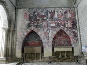 Arcosolios y pinturas muro sur