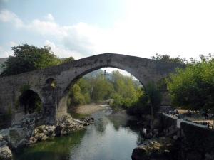 108. Cangas de Onís. Puente romano