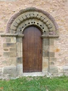 137. San Esteban de Aramil. Portada sur