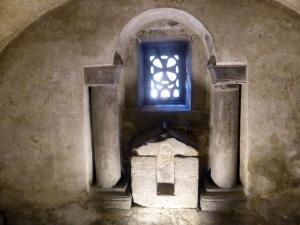 281. Cámara Santa. Cripta de Sta. Leocadia