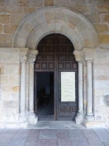432. Villaviciosa. Santa María de la Oliva