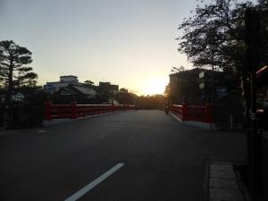 408. Takayama. Puente Rojo