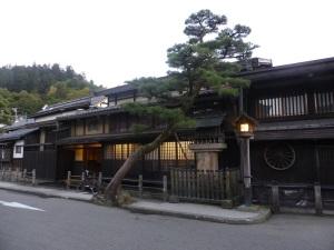 412. Takayama