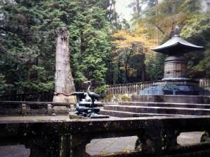 818. Nikko. Santuario Toshogu. Tumba de Ieyasu
