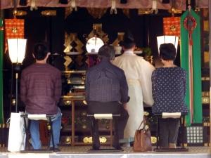 826. Nikko. Santuario Toshogu. Ceremonía sintoísta
