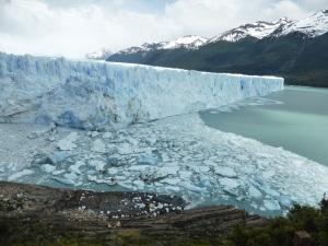 831. El Perito Moreno